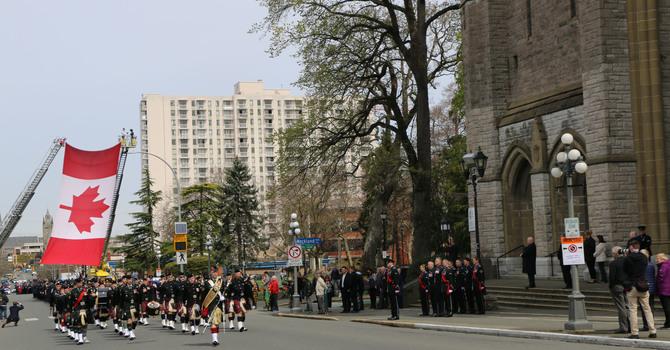 Hundreds mourn Victoria police officer image